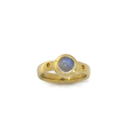 gold gemstone ring