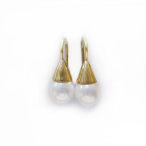 Fairmined gold pearl earrings