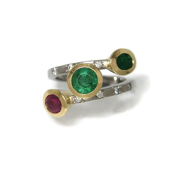 emerald and ruby gold ring